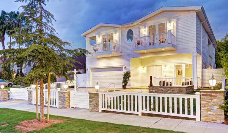 Newer santa monica home for sale or lease linda lackey for House sitting santa monica